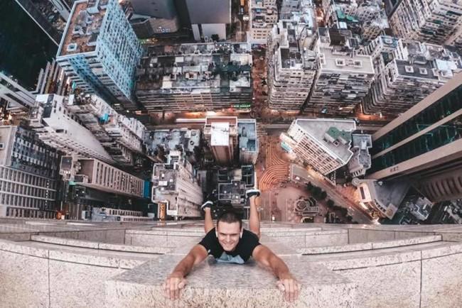 Невероятное фото украинского руфера в Гонконге. Афиша Днепра