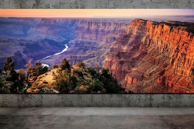 Samsung представила неймовірно гігантський 8K телевізор: фото
