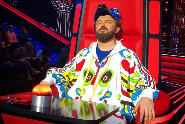 """""""Якби не він, я б не сидів у цьому кріслі"""": Дзідзьо поділився зворушливою історією на Голос. Діти 5"""