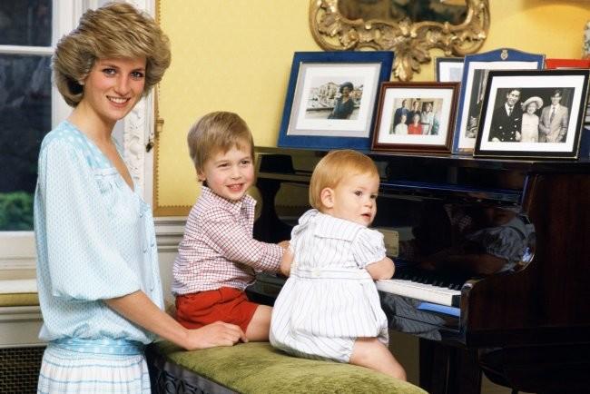 Принцесса Диана с принцами Уильямом и Гарри