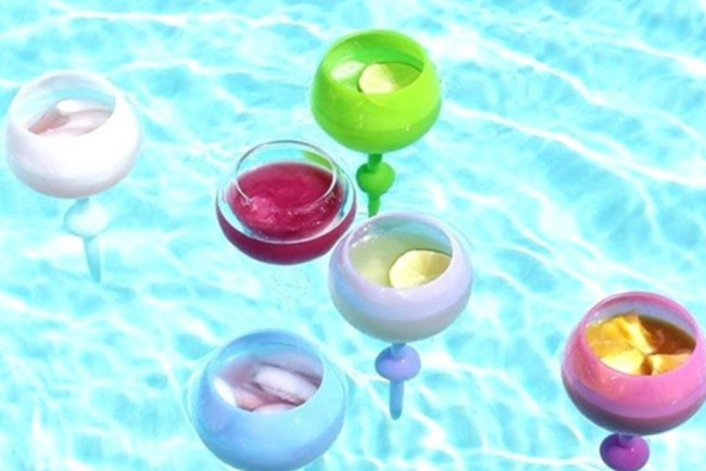 Плавающие бокалы от Aldi стоят почти чуть больше 2 долларов Фото: aldi.us