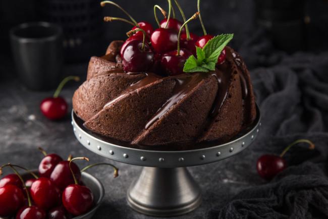 Шоколадный кекс на молоке с какао-порошком