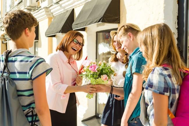 Привітання з 1 вересня вчителям: побажання у прозі