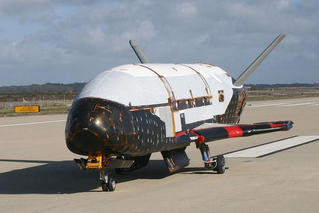 Космічний військовий літак X-37B побив рекорд на орбіті