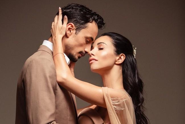 """Як це було: Горбунов та Кароль у прямому ефірі видали заміж суддю """"Танців з зірками 2019"""""""