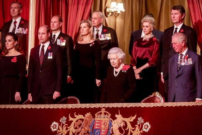 Королевская семья в Альберт-Холле