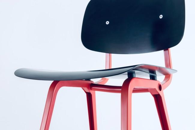 Трюк со стулом озадачил сеть Фото: Lucas Raggers / Unsplash