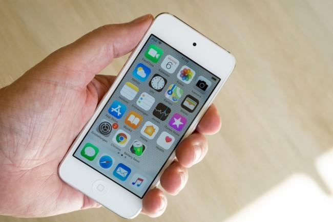 Apple iPhone 4 назван самым выдающимся гаджетом десятилетия