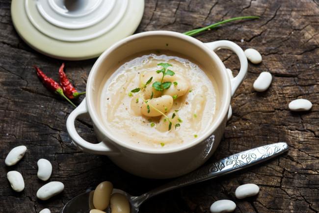 Вершковий суп з квасолею