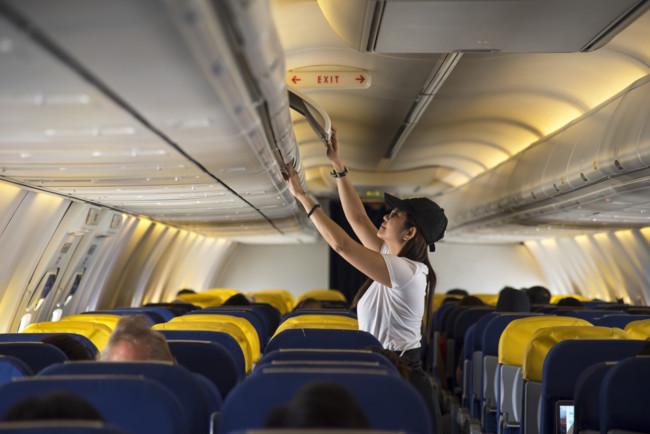 Самолет совершил экстренную посадку из-за шутки пассажира