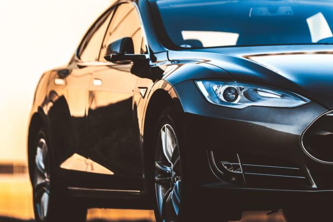 Новый владелец Tesla Model S лишился премиальных функций