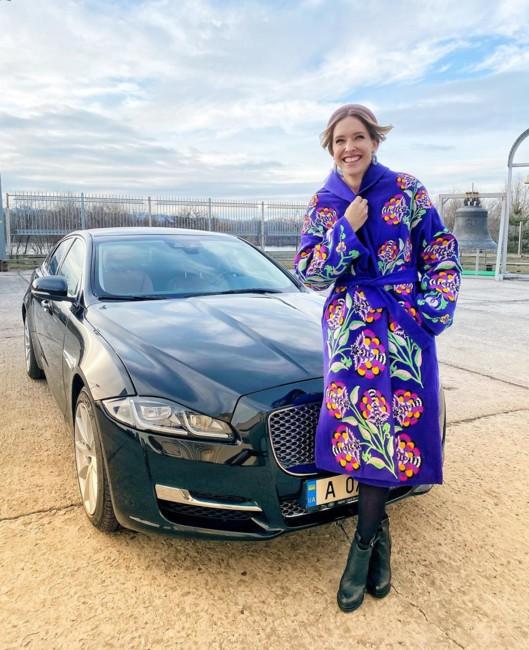 Катя Осадчая со своим автомобилем