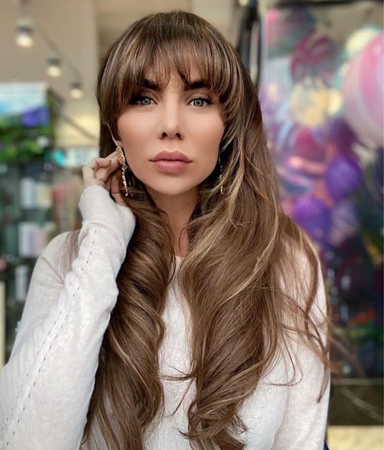 Певица Анна Седокова с челкой