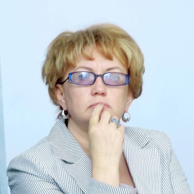 Людмила Мухарська, лікар-епідеміолог, заслужений лікар України, ексзаступник головного санітарного лікаря України.