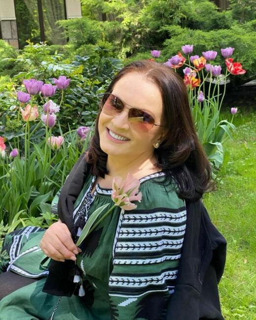 Після довгого мовчання: Софія Ротару в вишиванці вразила зовнішнім виглядом