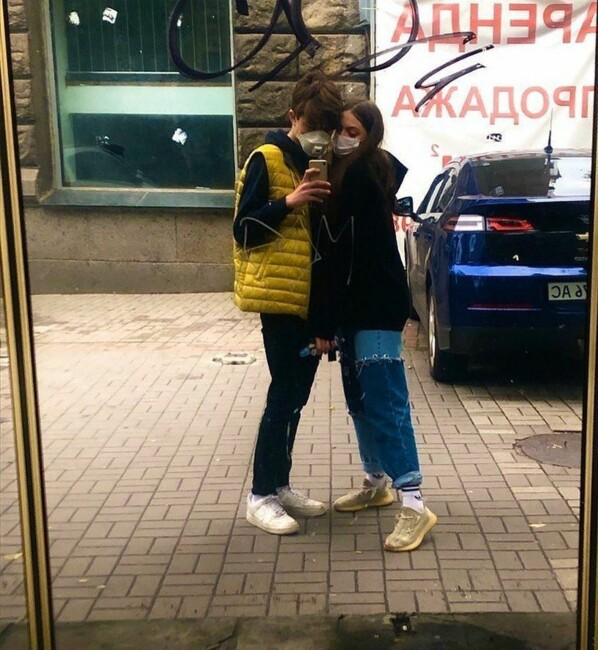Маша Полякова зі своїм хлопцем