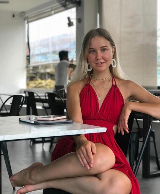 18-річна російська блогерка-мільйонер загинула на Балі: відома причина