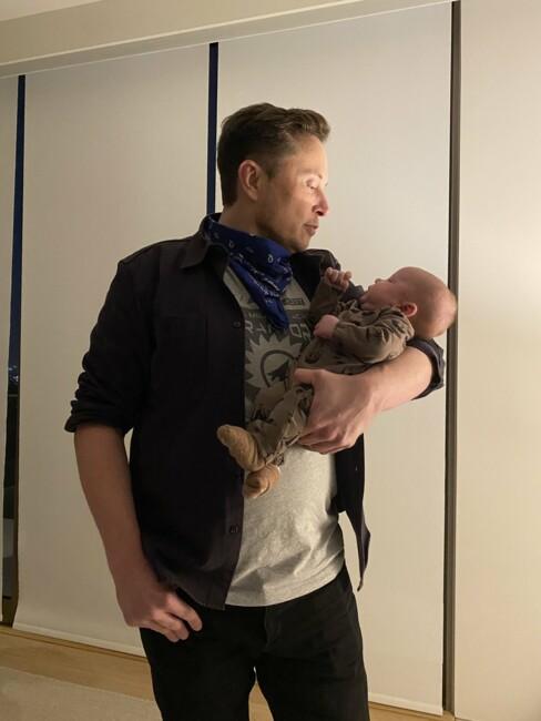Ілон Маск показав нове фото з двомісячним сином