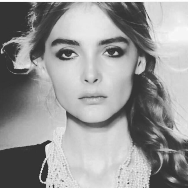 Новий челлендж: чому Маша Єфросиніна, Джамала та інші відомі жінки постять чорно-білі фото