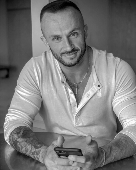Главное за неделю: смерть блогера Дмитрия Стужук и свадьбы Владимира Остапчука