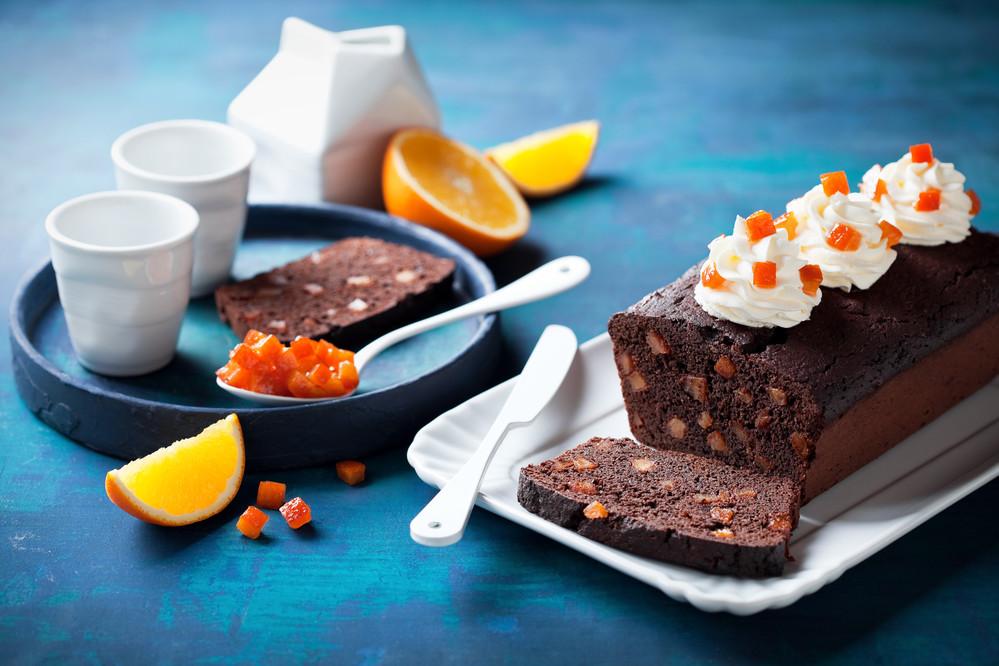 Шоколадный кекс с цукатами Фото: depositphotos.com