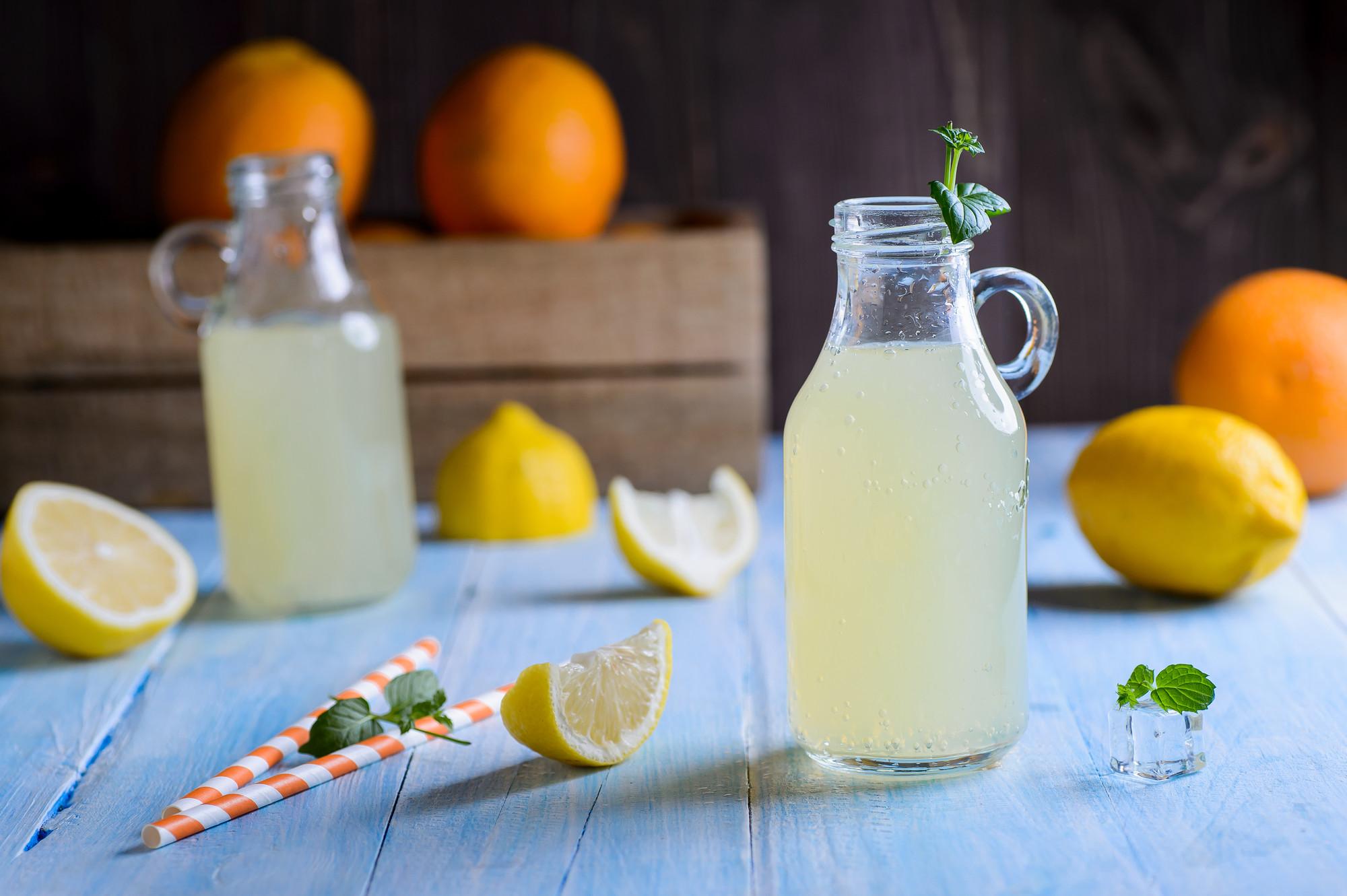 Вода с лимоном улучшает обмен веществ