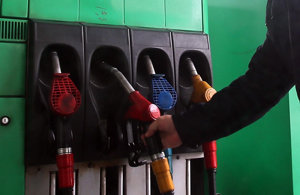 АЗС опустили ціни на пальне: чого чекати автовласникам в серпні, фото-1