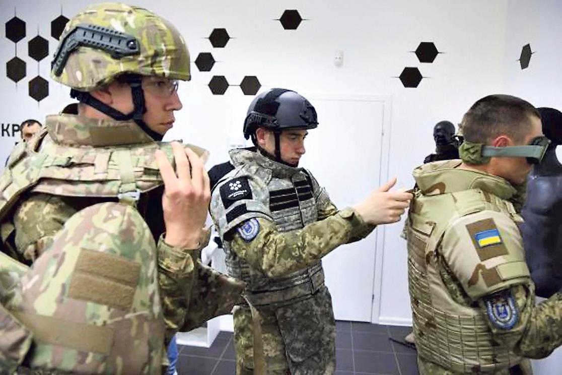 Обладунки для армії: коли з'явиться новий український бронежилет, фото-2