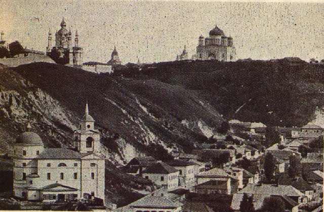 Крестовоздвиженская церковь. Здесь крестили Булгакова