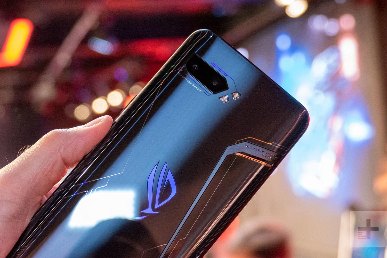 Дизайн ASUS ROG Phone II является спорным моментом