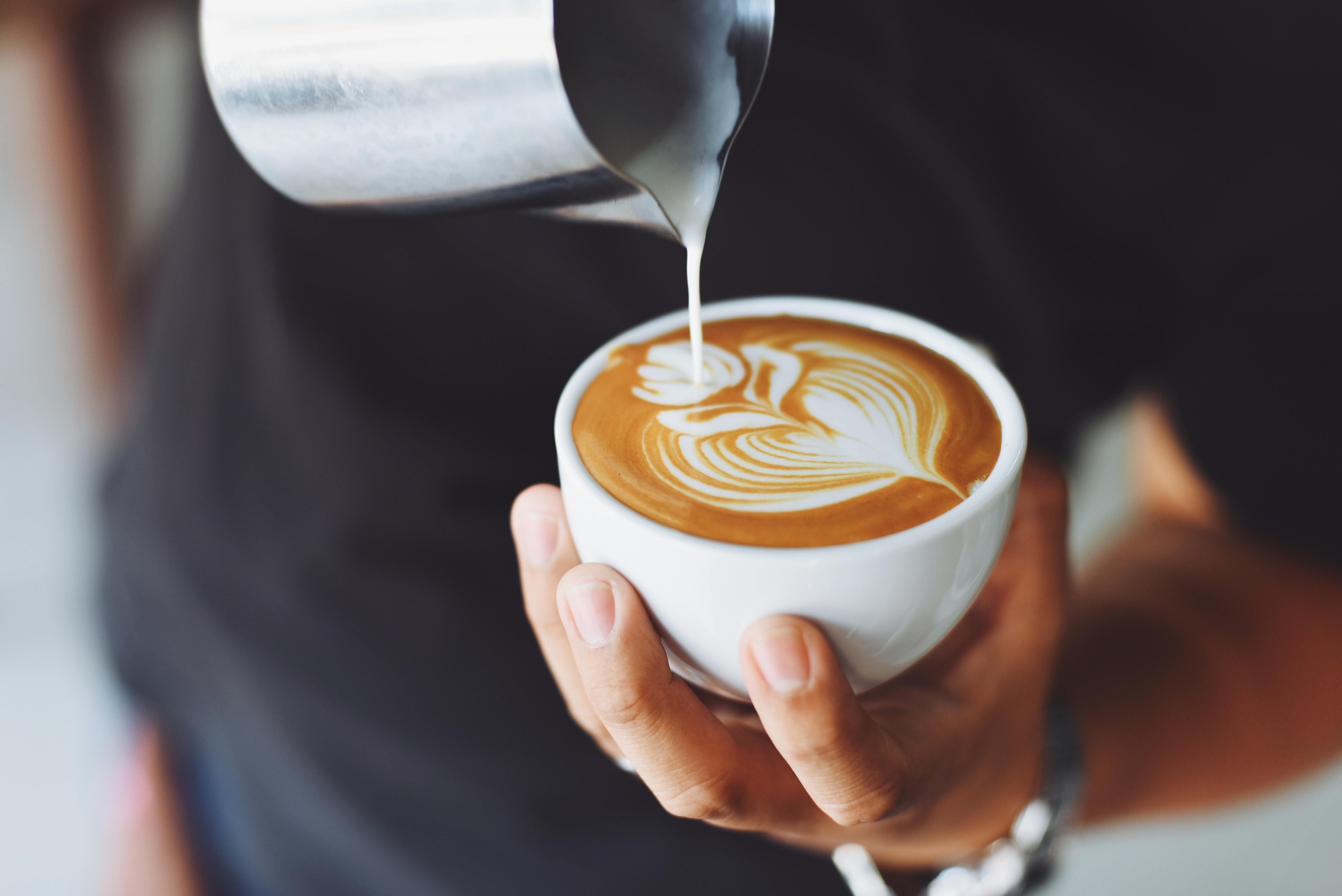 Некоторым лучше пить кофе без кофеина