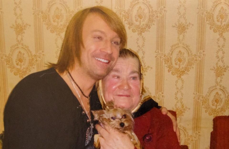 Олег Винник с мамой Анной