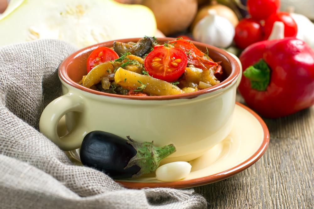 Рагу желательно готовить с добавлением воды или рафинированного масла