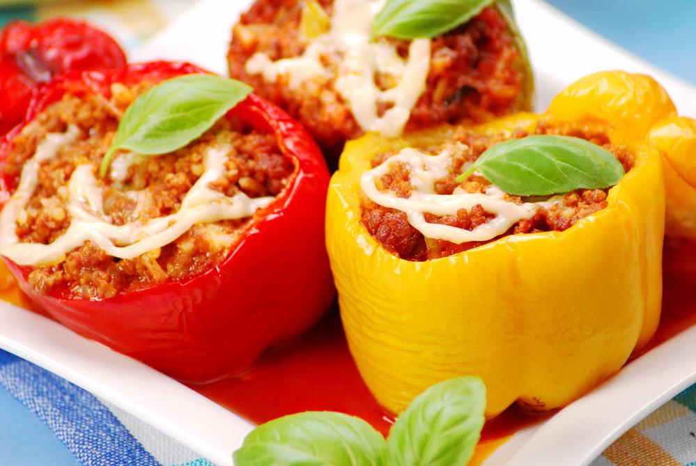 Фаршированный перец овощами и кускусом