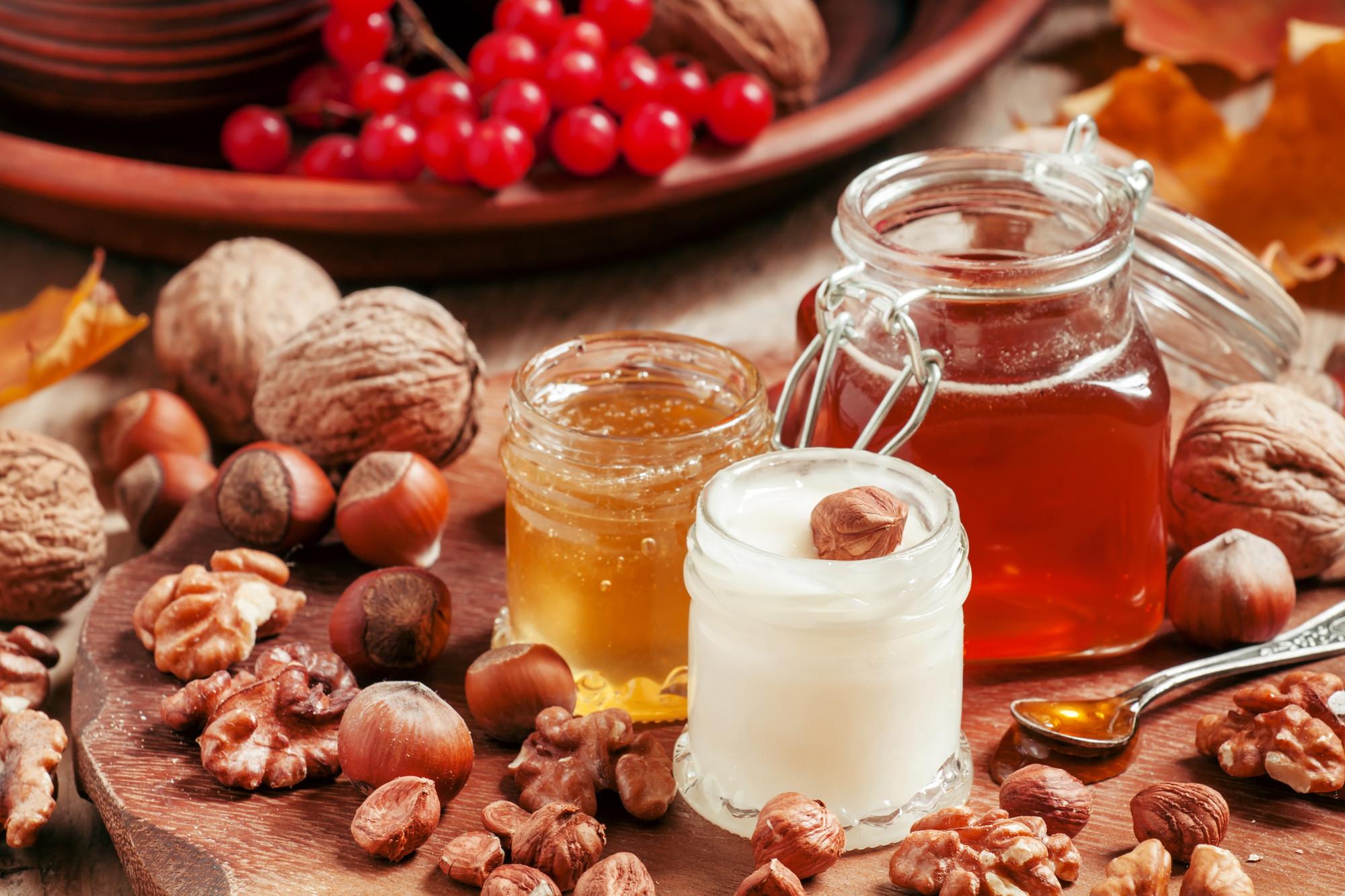 Грецкие орехи полезно есть с медом