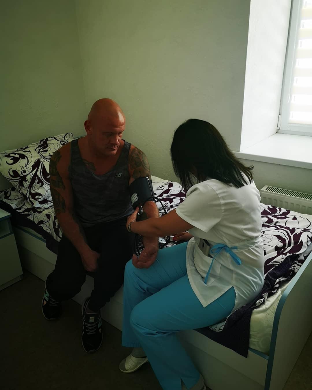 Вячеслав Узелков в онкоцентре