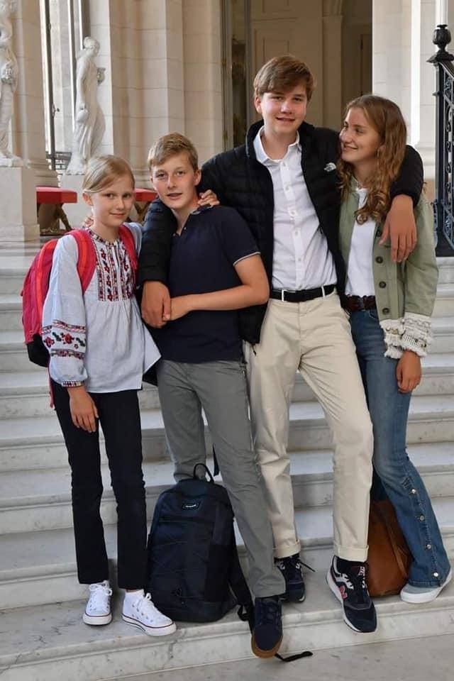Бельгійська принцеса прийшла до школи у вишиванці