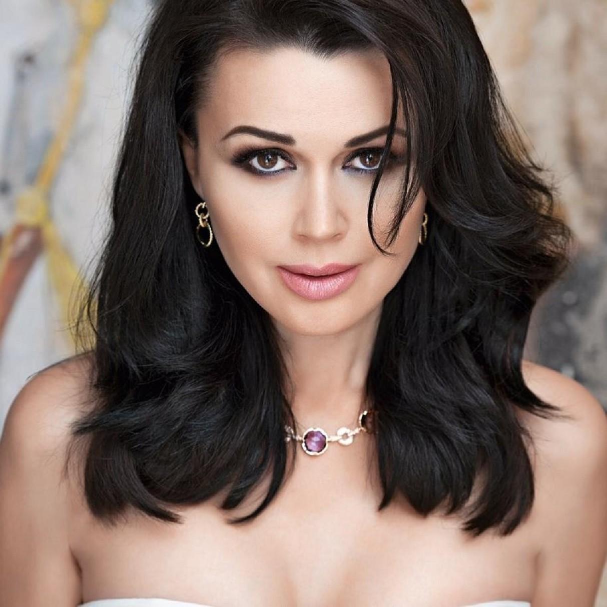 Анастасія Заворотнюк йде на поправку: останні новини про стан зірки