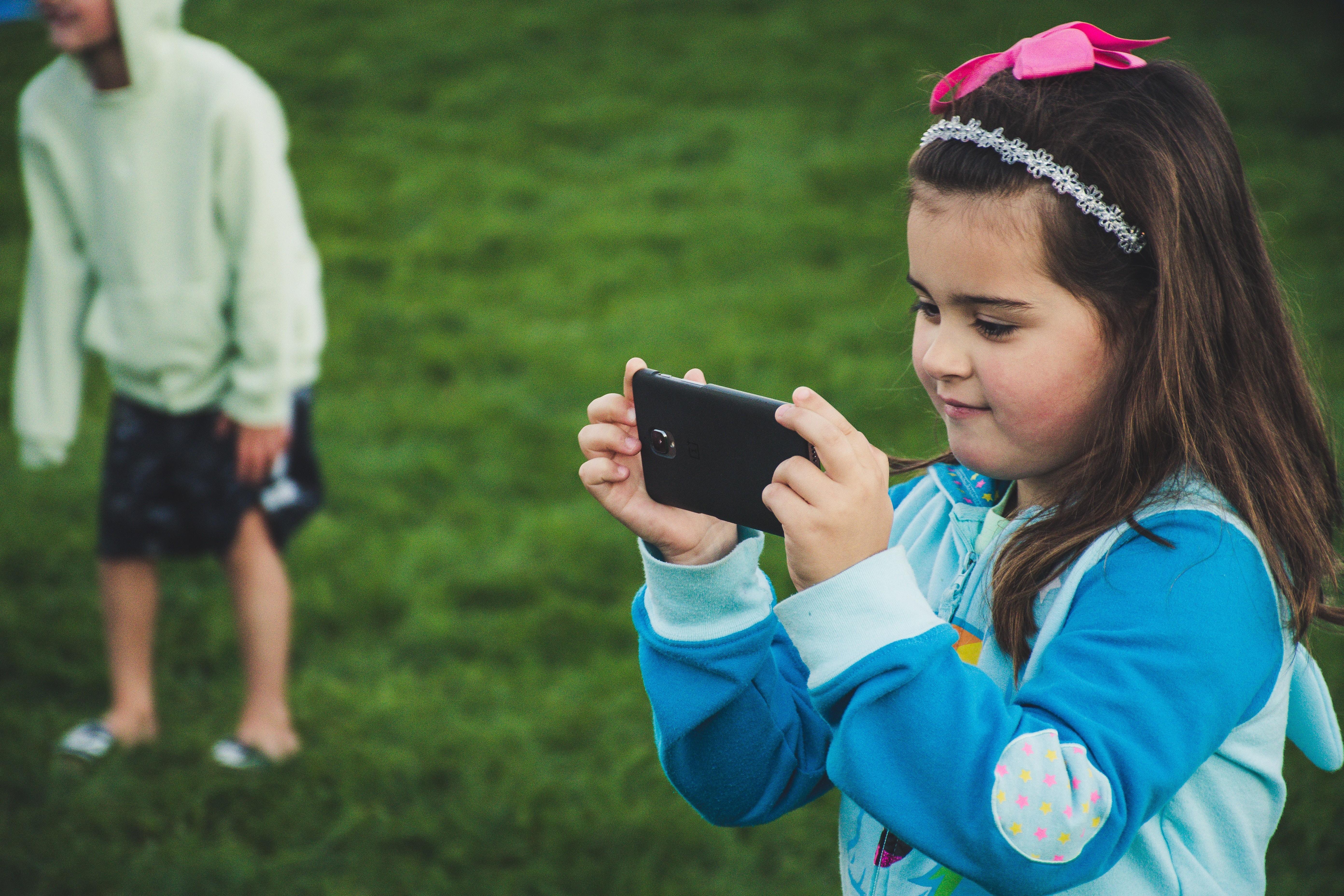 Смартфоны плохо влияют на развитие детей