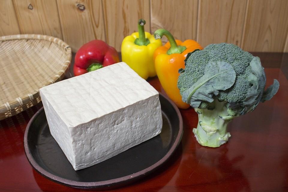 Тофу содержит фитоэстрогены