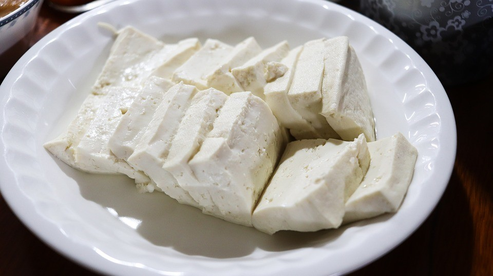 Тофу противопоказан при непереносимости сои