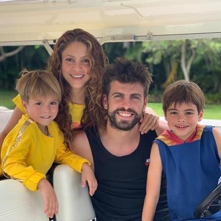 Шакира и Жерар с детьми