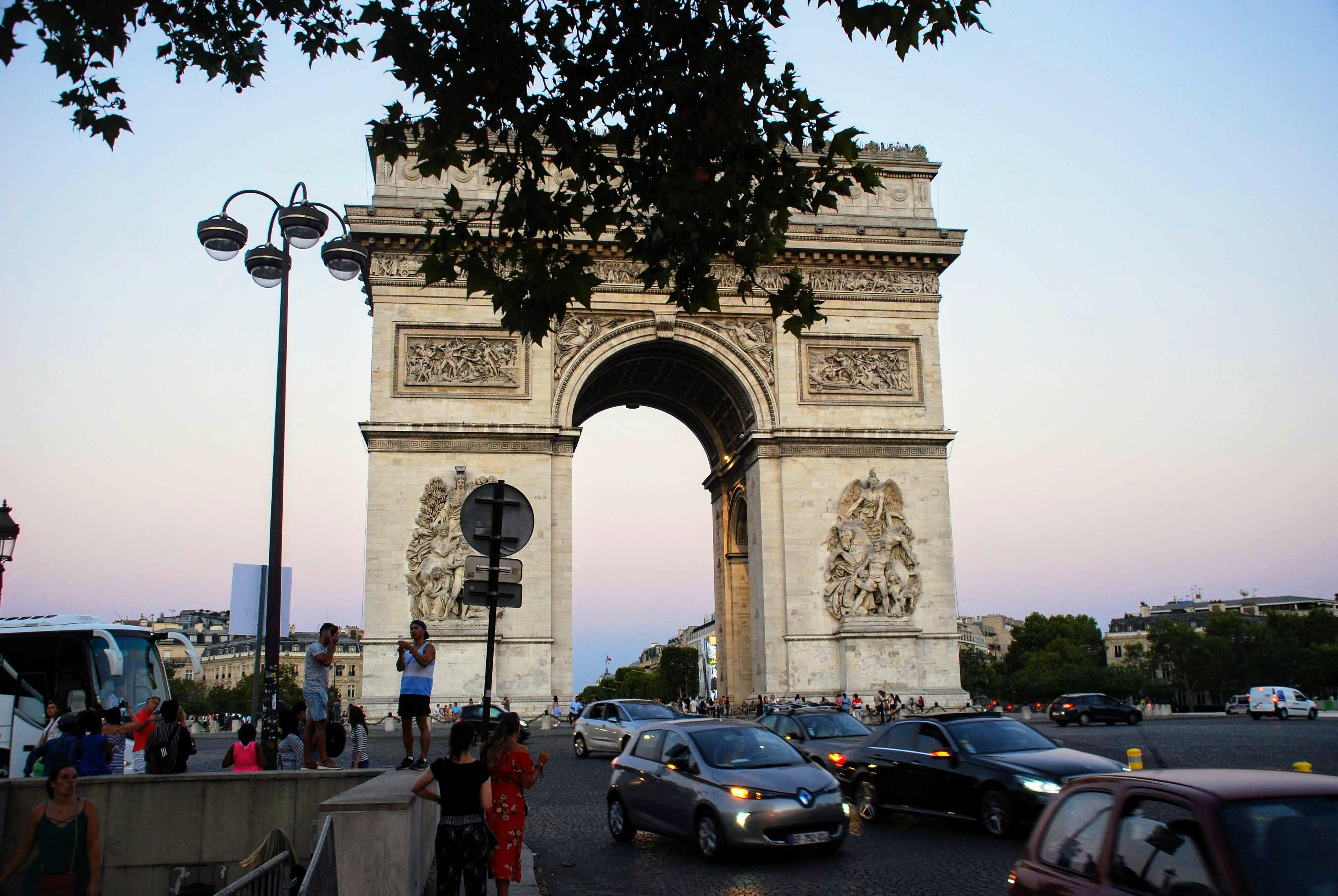 10 Mistakes Travelers Make In Paris