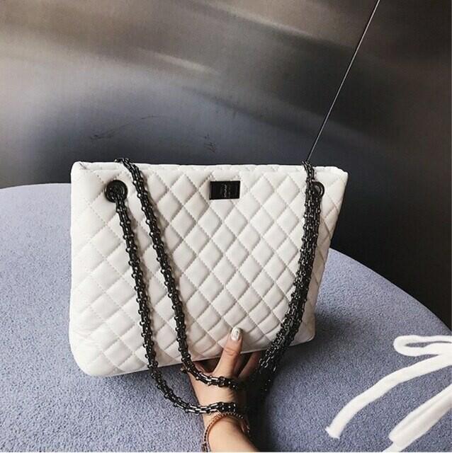 Стеганая сумка, Самые модные сумки зимы 2021: бахрома и животный принт