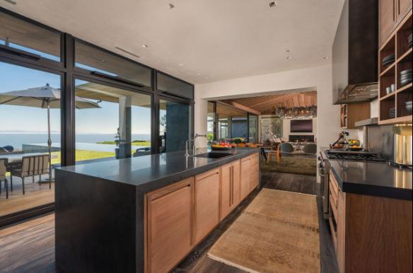 Эллен ДеДженерес с женой продают шикарный дом за 40 млн долларов фото