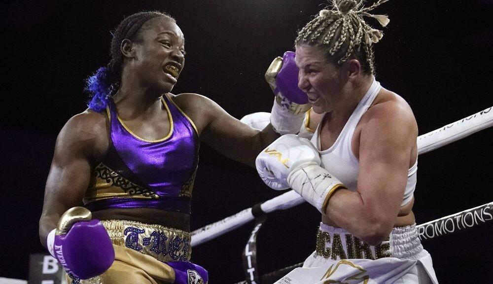 Заруба года в женском боксе: американка Шилдс уничтожила канадку Дикер в чемпионском бою
