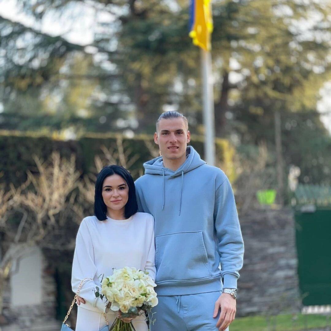 Свадьба в спортивном костюме: украинский вратарь женился в Испании