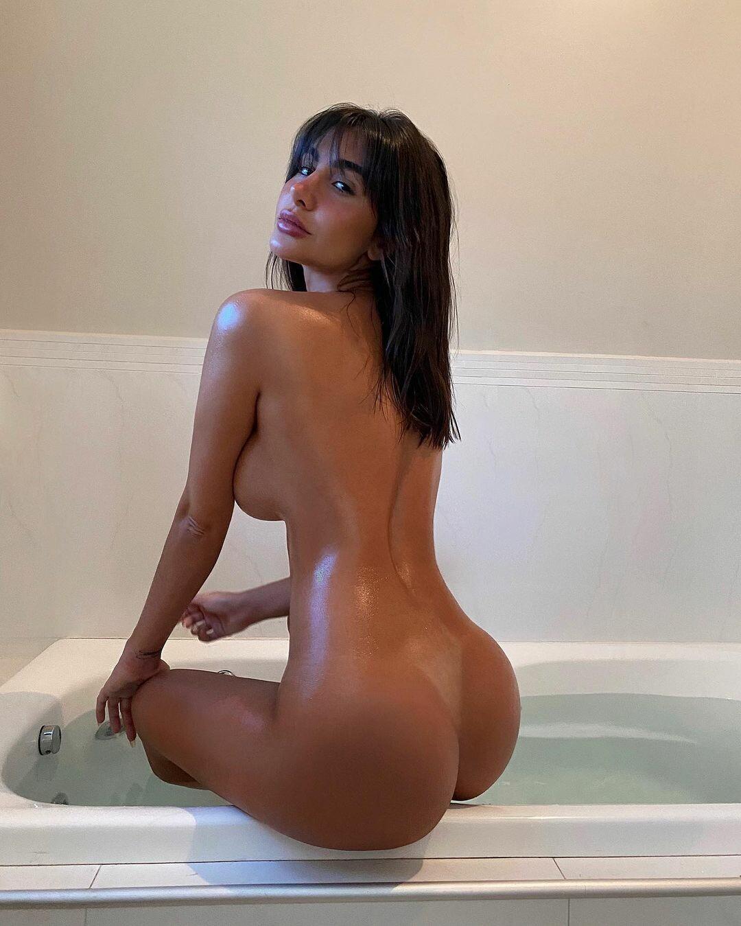 Невероятно горячие фото бразильской модели, заслужившей комплименты от Неймара