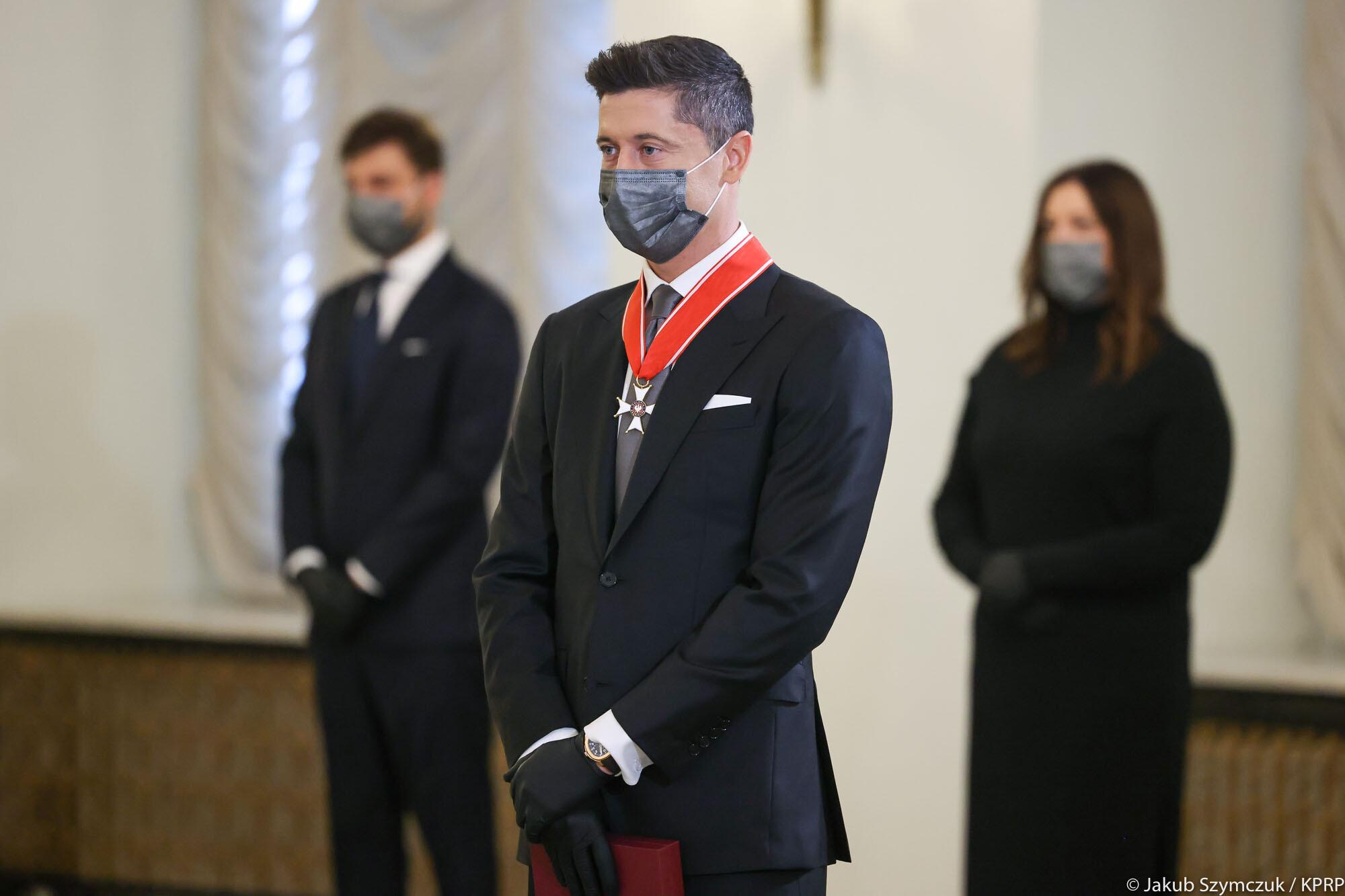 Польского футболиста объявили национальным героем и дали крест