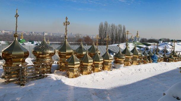 Для новых храмов. Самые популярные — классические маковки из желтого булата, а для храмов в честь Богородицы уместен синий цвет